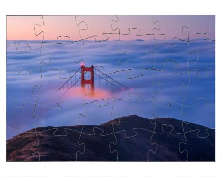 Pont Golden Gate couvert par un brouillard
